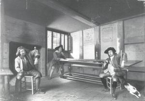 Jager en twee andere figuren in een herberg