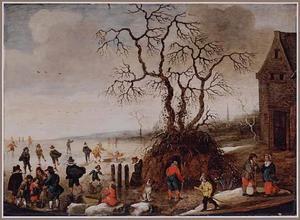 Winterlandschap met schaatsers bij een grote boom, in de verte zakt een vrouw door het ijs