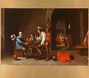 Wachtlokaal met triktrak spelende soldaten