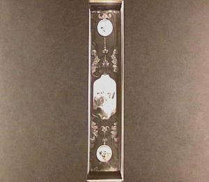 Cartouche met de Heilige Gregorius tussen twee medaillons met de evangelisten Mattheus en Lucas