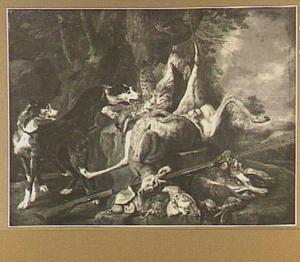 Jachtbuit van hert, haas en gevogelte in een landschap; links twee honden
