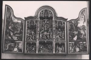 De annunciatie, Christus in Gethsemane (binnenzijde linkerluik); De aanbidding der Wijzen, de graflegging, de besnijdenis, de kruisdraging, de kruisiging, de bewening (midden); De aanbidding der Wijzen, de opstanding (binnenzijde rechterluik)