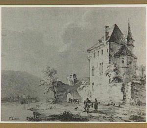 Vervallen kasteel in rivierlandschap