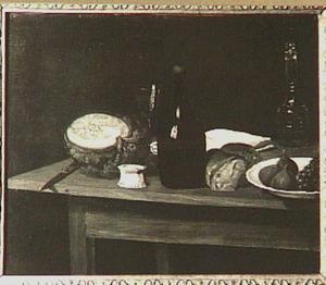 Stilleven met vruchten, brood, flessen en een glas, op een houten tafel