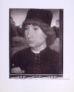 Portret van een jongeman voor een landschap