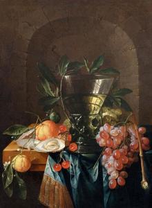 Stilleven met vruchten en een berkemeier voor een nis