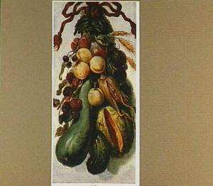 Tros van vruchten en groenten aan een koord