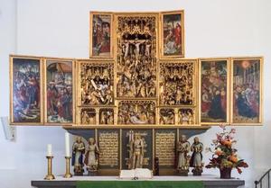 De Judaskus, Christus voor Pilatus (binnenzijde linkerluiken); De kruisdraging, de kruisiging, de bewening, de opstanding, de verkondiging, de visitatie, de aanbidding, de besnijdenis (middendeel); Hemelvaart, pinksteren (binnenzijde rechterluiken); Ecce Homo (binnenzijde linker bovenluik); Noli me tangere (binnenzijde rechter bovenluik)