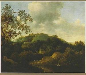 Heuvellandschap met boerenhuis bij een meer