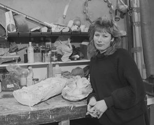 Sonja Oudendijk in haar atelier