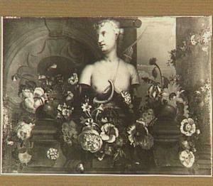 Diana-buste met bloemenguirlande