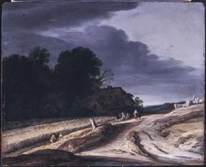 Zandweg bij een korenveld
