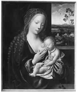 Maria met het kind slapend op haar borst. In de achtergrond de vlucht naar Egypte