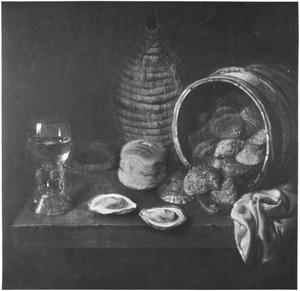 Stilleven met ton met oesters, brood, roemer, mandfles en doek