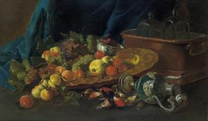 Stilleven met onder meer vruchten op een verguld zilveren schaal, een omgevallen pronkbeker en een wijnkoeler