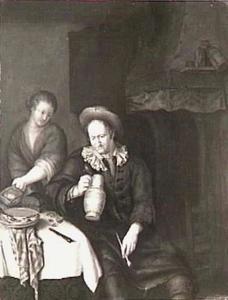 Interieur met een drinkende man