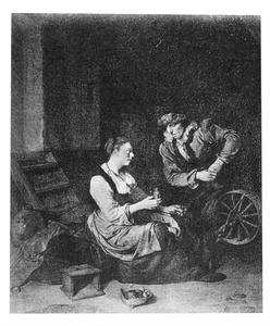 Interieur met een vrouw bij een spinnewiel met een flesje in de hand en rechts een man