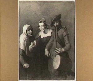 Een trommelende fluitspeler met een oude en een jonge vrouw