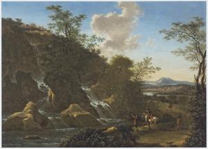 Italianiserend berglandschap met reizigers bij een waterval