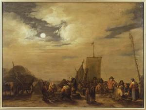 Visafslag op het strand bij maanlicht