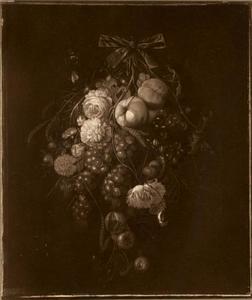 Festoen met vruchten en bloemen