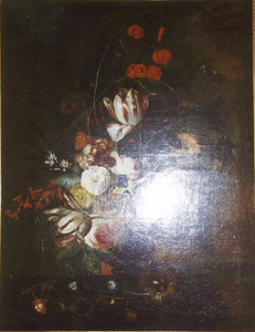 Bloemstilleven in een terracotta vaas, met een vogelnest, op een balustrade voor een landschap