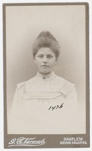 Portret van mej. Pietje de Vries ( -1902)