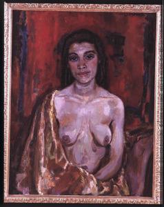 Vrouwelijk naakt met draperie tegen dieprode achtergrond