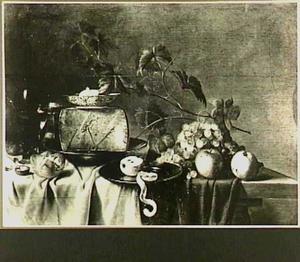 Stilleven met een stuk kaas, vruchten, roemer, zoutvat, brood en walnoten