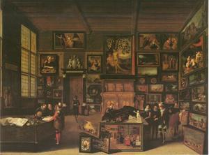 Kunstkenners in een kunst- en rariteitenkabinet