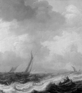 Vissersschepen in stormachtig weer met rechts op de voorgrond een roeiboot