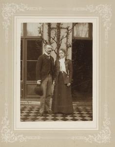Portret van Jozeph Henri Felix Dumonceau (1859-1952) en Idzardina Juliana Frederika de Constant Rebecque (1877-1958)