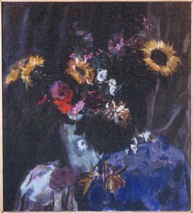Najaarsbloemen met blauwe doek