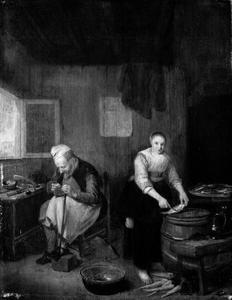 Schoenmaker en jonge vrouw die vis schoonmaakt