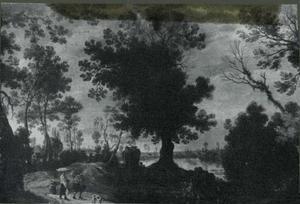 Boslandschap met figuren op een bospad