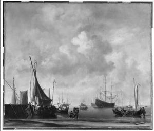 Haveningang met talrijke schepen