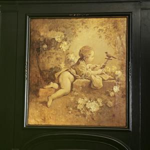 Kind met vogel op een stok