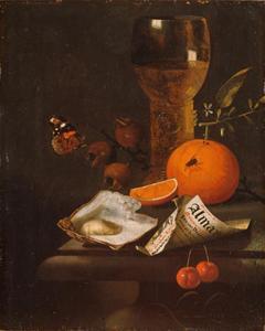 Stilleven met roemer, fruit, oester en een puntzak van bedrukt papier