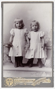Portret van de tweeling Johannes Hendrik en Simon Lebret