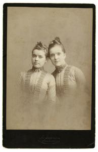 Portret van twee vrouwen, waarschijnlijk Loe en Marie Dentz