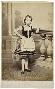 Portret van mogelijk Hermine Jeanne Wilhelmine Pauline Nederburgh (1869-1944)