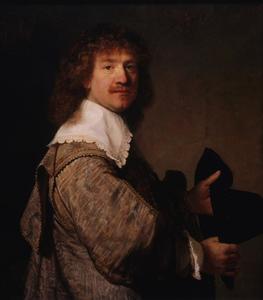 Portret van een man met een hoed in zijn handen