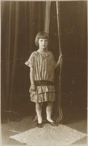 Portret van Maria Louise van Dam (1918- )