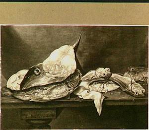 Visstilleven op een tafel