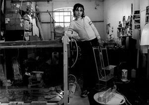 Saskia Olde Wolbers in haar atelier