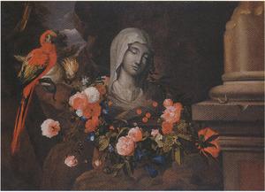 Een met bloemen omkranst borstbeeld van de Maagd Maria tussen een boom met twee papegaaien en een afgeknotte zuil