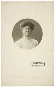 Portret van Marianne Ferdinanda Fraissinet (1873-1941)