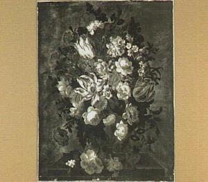 Bloemstilleven met tulpen en rozen