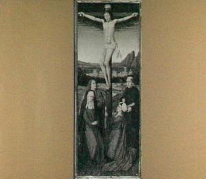 De kruisiging (op de buitenzijde: De engel Gabriël in grisaille)