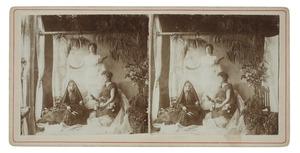 Portret van Johanna Hendrika Maria van Zanten (1878-1960), Maria Sophia Louise Lanen (1872-1943) en Amelia Charlotte Oborn (1868-1950) als schikgodinnen